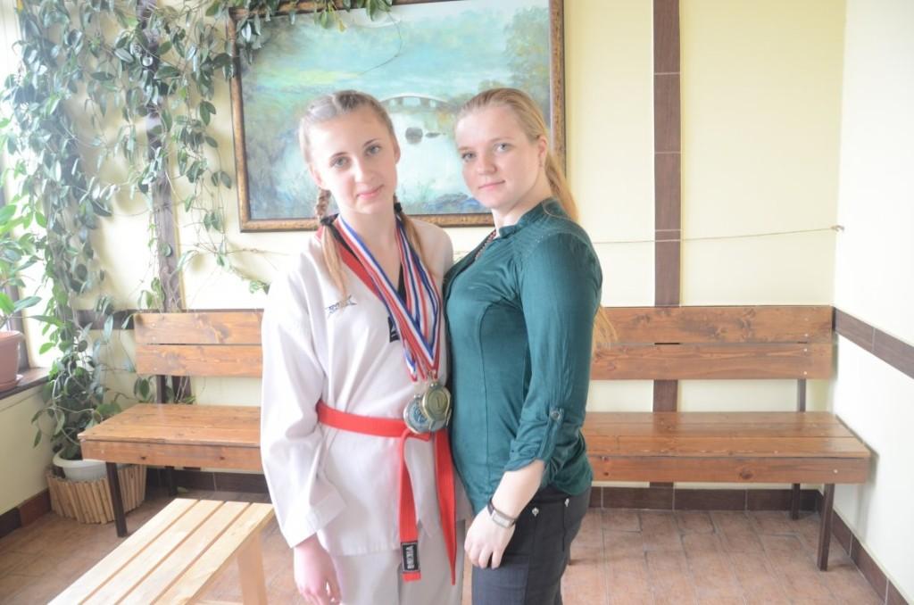 Мастер спорта РФ Лепехина Т.С. и Есенова Елена серебряный призер чемпионата России по тхэквондо 2013г.